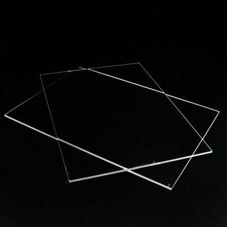 Utförsäljning: Plexiglasskivor utan hål udda storlekar
